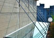Üveg-előtető-rozsdamentes-inox-rögzítéssel-2