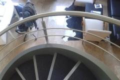 Rozsdamentes-inox-csigalépcső-korlát-pálcás