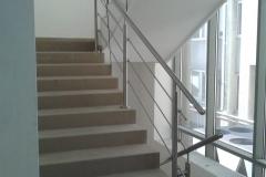 Rozsdamentes-inox-lépcsőkorlát-pálcás-Ceva-irodaház-2