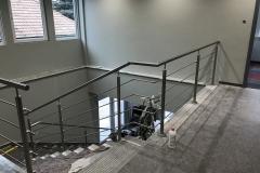 Rozsdamentes-inox-lépcsőkorlát-pálcás-XVII.kerületi-irodaház