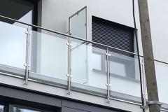 Üvegkorlát-rozsdamentes-inox-oszloppal-kapaszkodóval-16