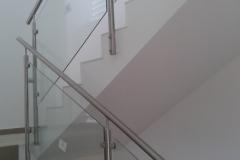 Üvegkorlát-rozsdamentes-inox-oszloppal-kapaszkodóval-26